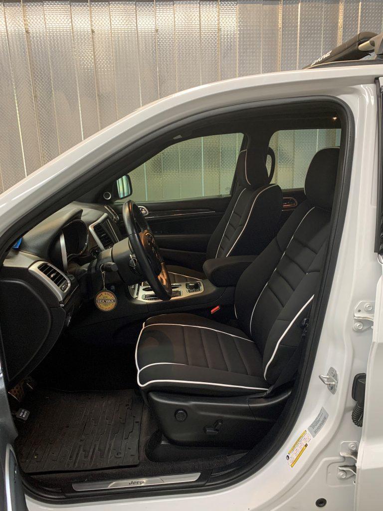 Wet Okole, Jeep interior
